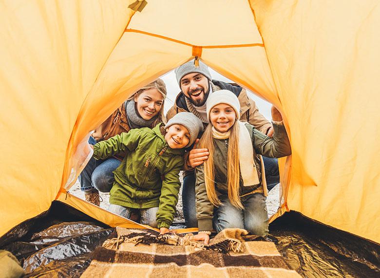 Famiglia in tenda